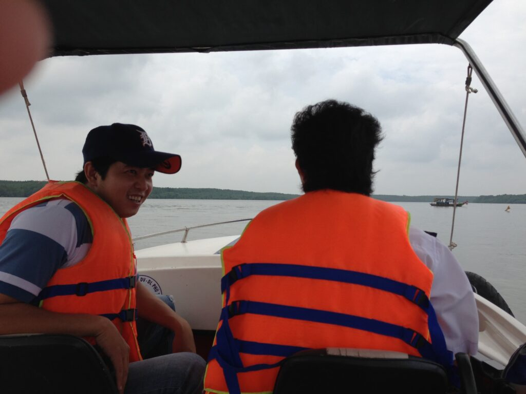 チュンと運転手さんとボートクルーズ