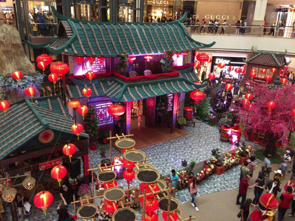 ショッピングモールが中華の雰囲気です