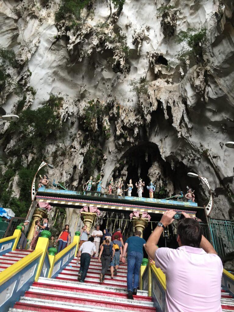頂上のバトゥ洞窟