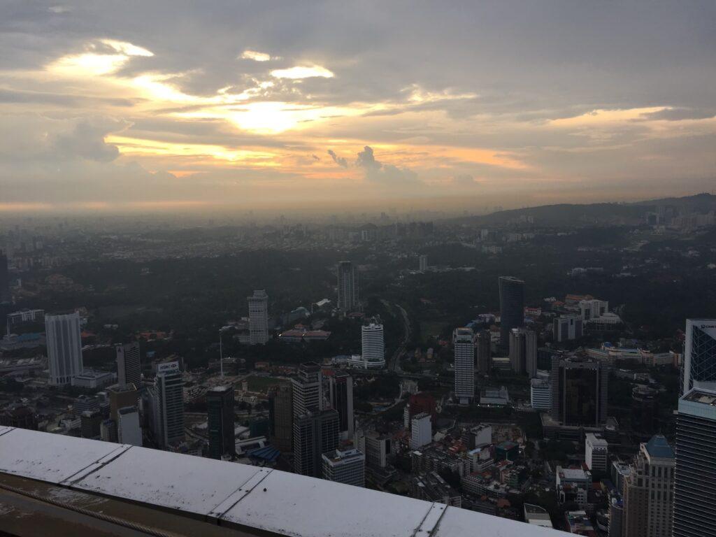 夕方のKLタワーの頂上からの景色