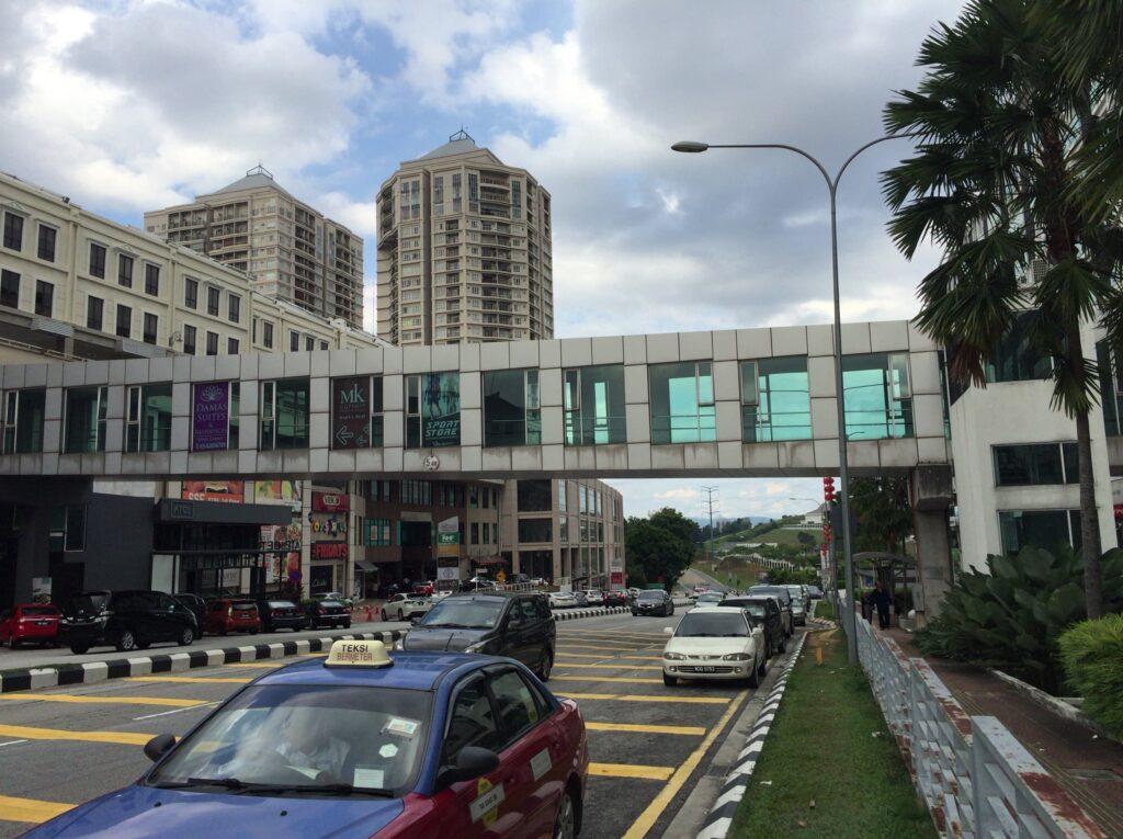 Hartamas shopping centreのコンドミニアムやレストラン